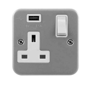 13 Amp Metalclad Socket Outlets - 1 gang switched with USB outlet