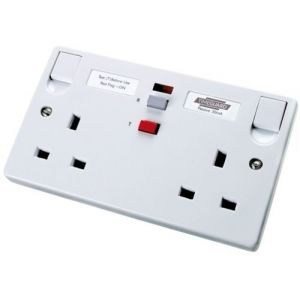 RCD socket 2 gang 30mA 13A latching - white